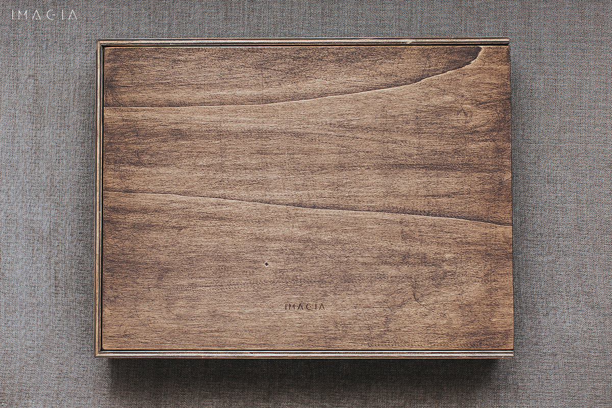 Album foto de nunta cu coperti din lemn