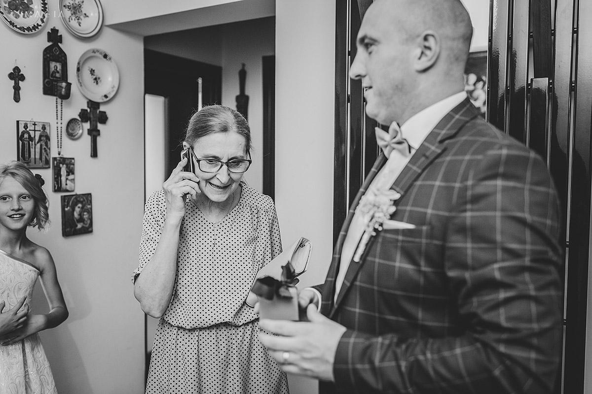 Mama miresei la o nunta in Baia Mare fotografiata de imagia.ro