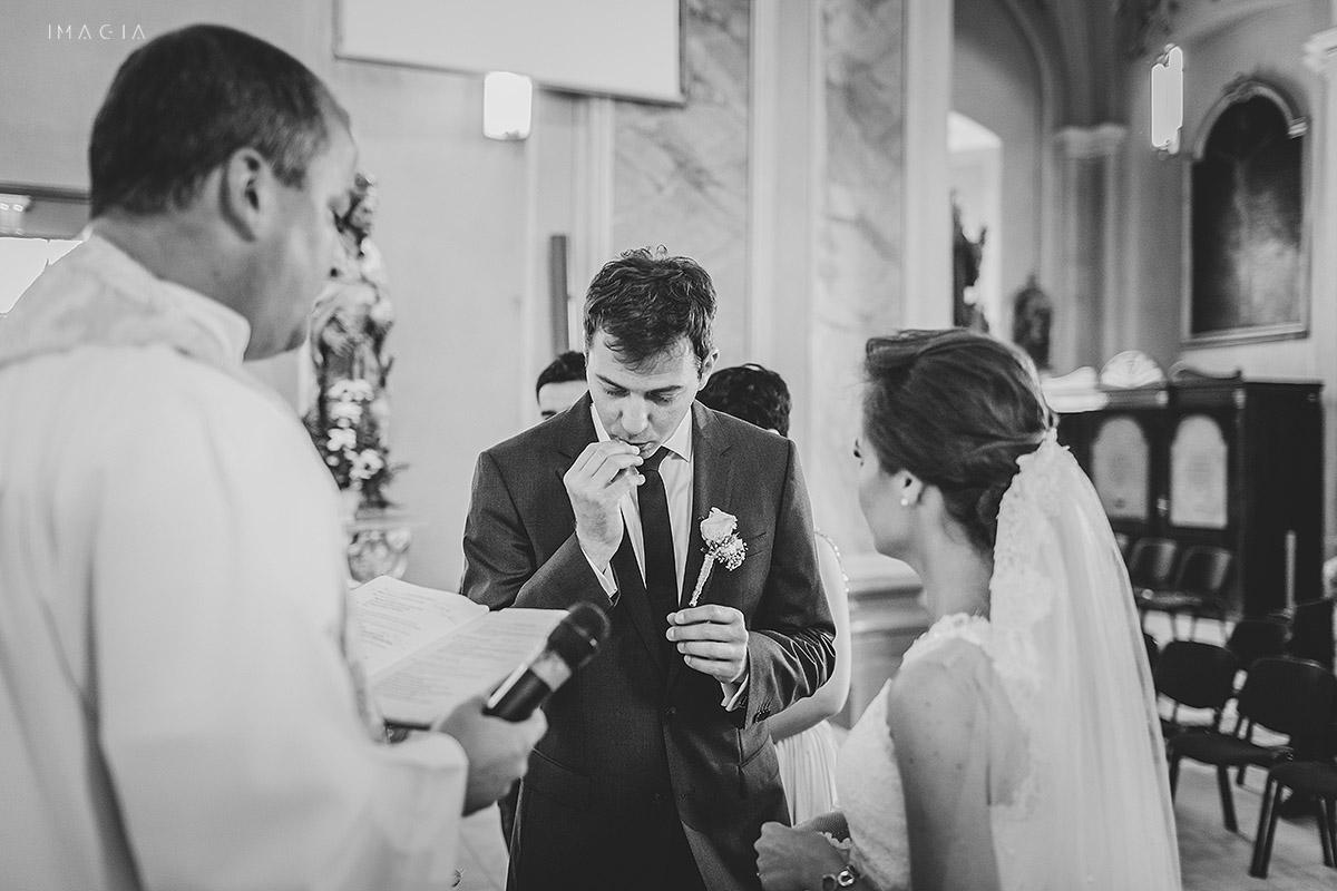 Cununia religioasa la o nunta in Baia Mare fotografiata de imagia.ro