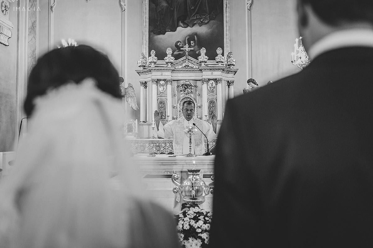 Ceremonie religioasa la o nunta in Baia Mare fotografiata de imagia.ro