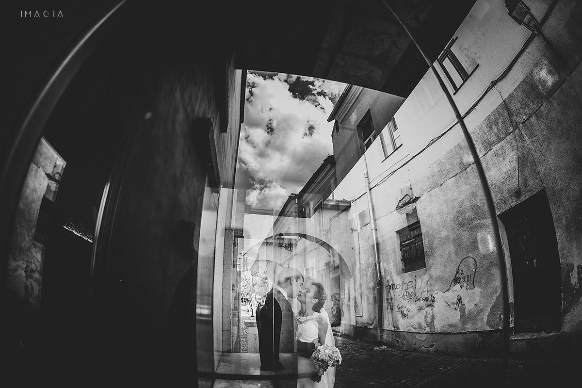 Mire si mireasa la o nunta in Baia Mare fotografiata de imagia.ro