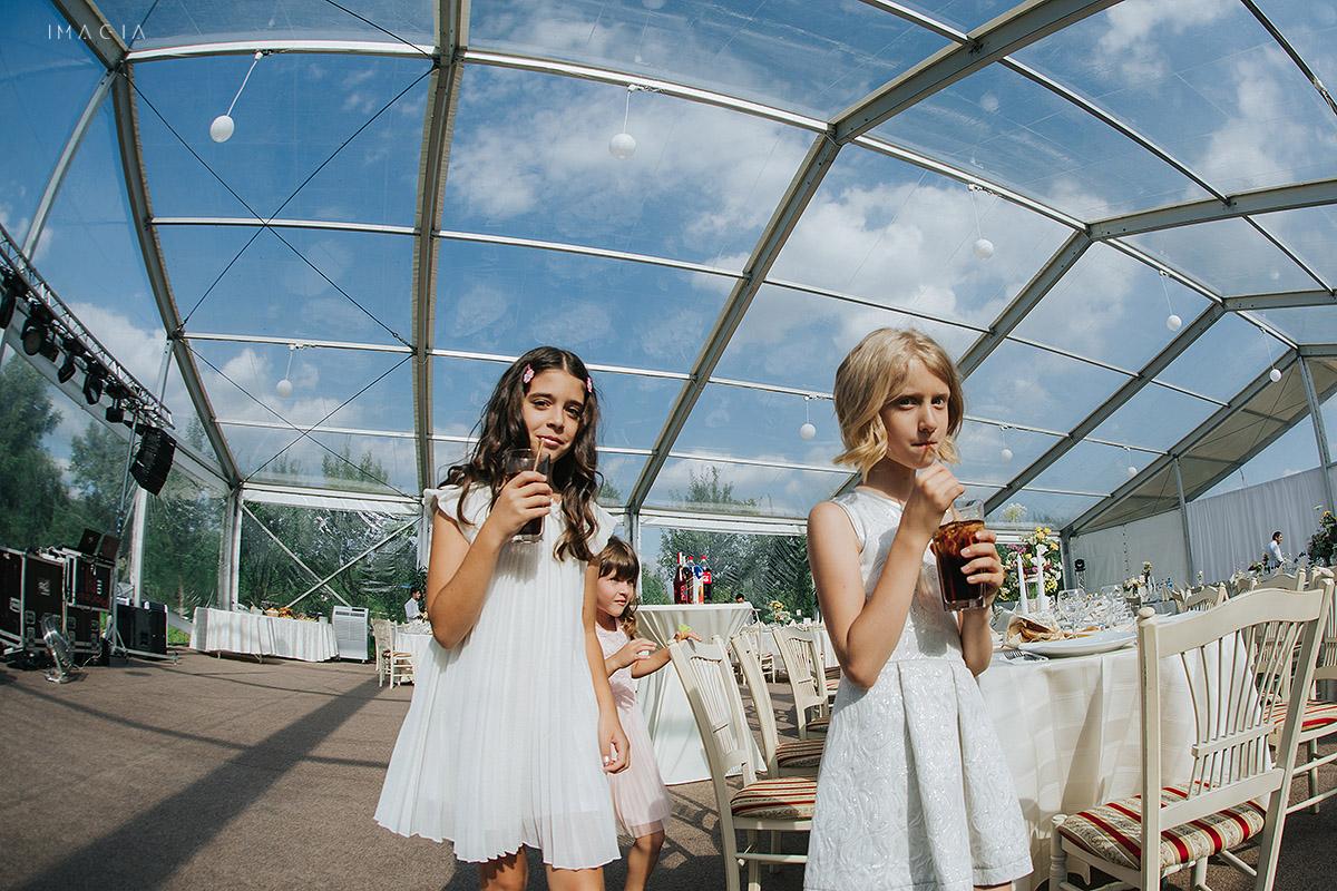 Copii la o nunta in Baia Mare fotografiata de imagia.ro