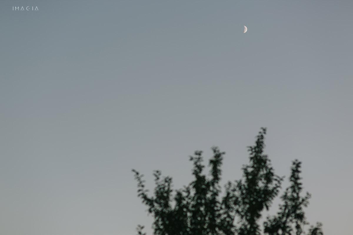 Luna pe cer la o nunta in Baia Mare fotografiata de imagia.ro