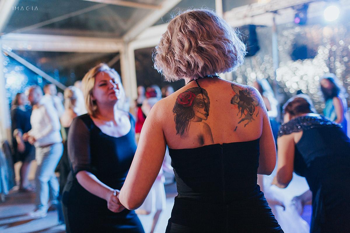 Dans la o nunta in Baia Mare fotografiata de imagia.ro